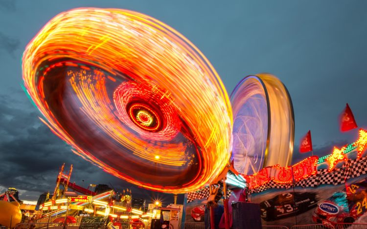 Thinking./ Amusement park and immersion: how to create memorable experiences ?