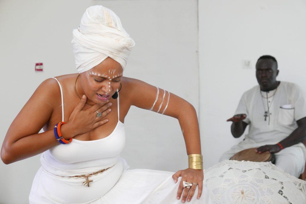 """Maïmouna Jallow : """"j'incarne les personnages de mes histoires """" - Shela's Journey au Ghana"""