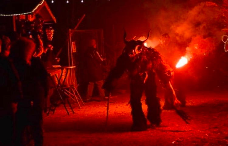 Experience./ Krampus, a first attempt to inspire fear Lima