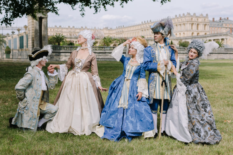 Meet Marie-Antoinette thanks to Let Them Eat Cake !